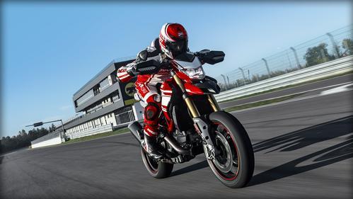 Ducati Hypermotard 939 (Ducati Red)