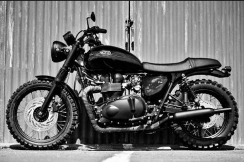 Triumph Bonneville T100 Black