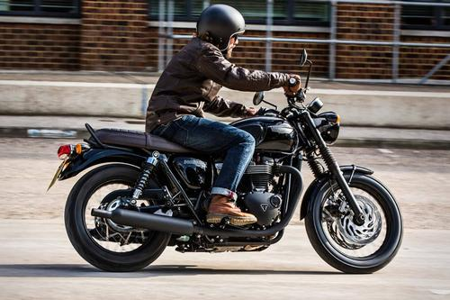 Triumph Bonneville T120 Black