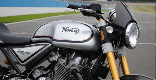 Norton Commando 961 SF Dualseat