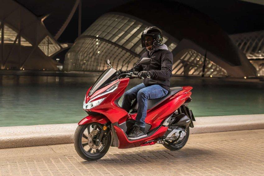 Honda Pcx 125 Prezzo Scheda Tecnica E Foto Dueruote