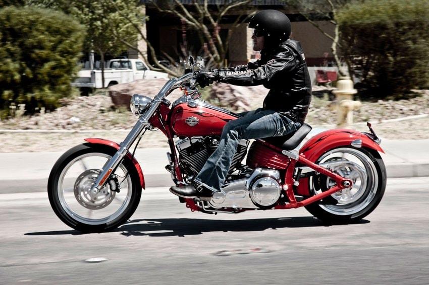 Harley-Davidson Softail Rocker - Dati e schede tecniche